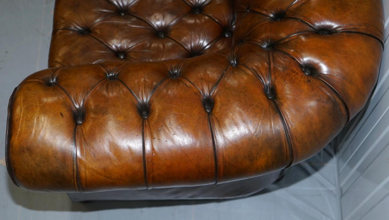 Restored 1900s Chesterfield Buttoned Hand Dyed Brown Leather Sofa Horse Hair For Sale 7