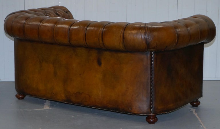 Restored 1900s Chesterfield Buttoned Hand Dyed Brown Leather Sofa Horse Hair For Sale 9