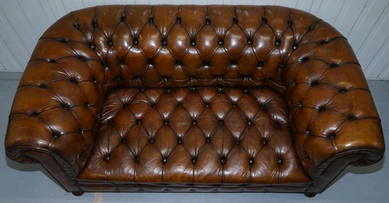 Restored 1900s Chesterfield Buttoned Hand Dyed Brown Leather Sofa Horse Hair For Sale 2
