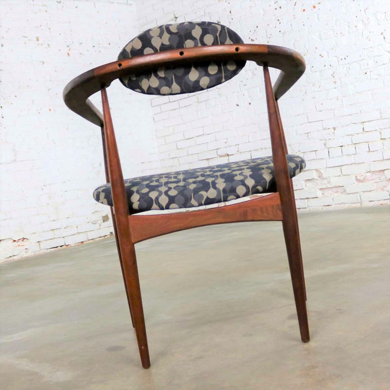 Restored Adrian Pearsall 950-C Armed Side Chair 3
