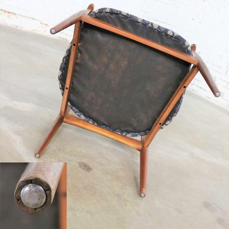 Restored Adrian Pearsall 950-C Armed Side Chair 4
