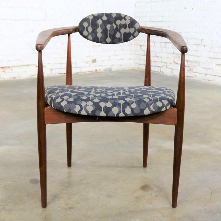 Mid-Century Modern Restored Adrian Pearsall 950-C Armed Side Chair