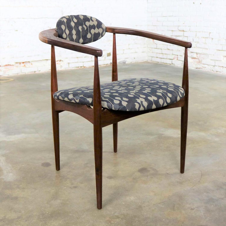 American Restored Adrian Pearsall 950-C Armed Side Chair