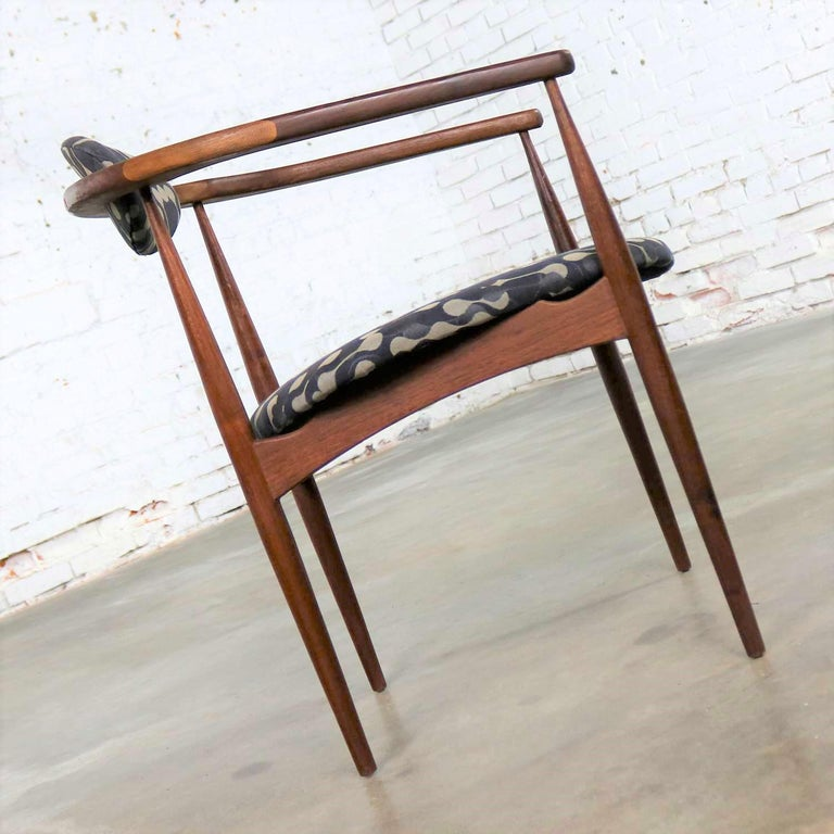 20th Century Restored Adrian Pearsall 950-C Armed Side Chair