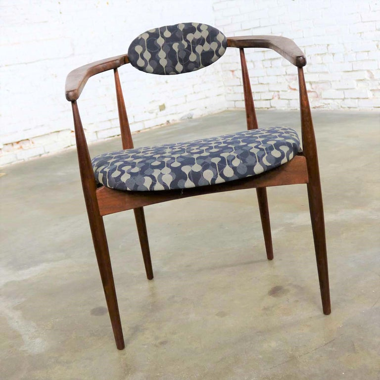 Restored Adrian Pearsall 950-C Armed Side Chair 2