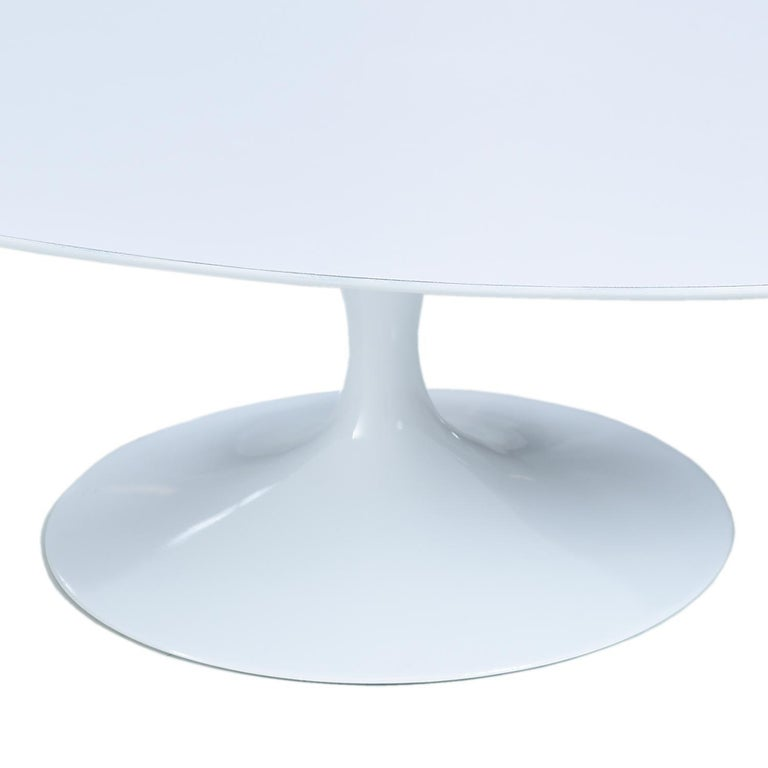 American Restored Early Weighted Insert Base Knoll Saarinen Tulip Oval Coffee Table For Sale