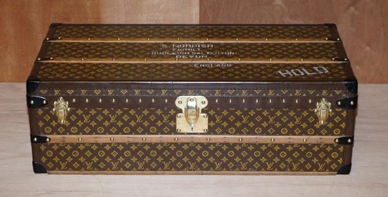 We are delighted to offer this absolutely stunning fully restored original Louis Vuitton 1920 steamer trunk originally owned by Major VH Jones later Col Victor Jones 14th King Hussars complete with original shelf and working key   This is the