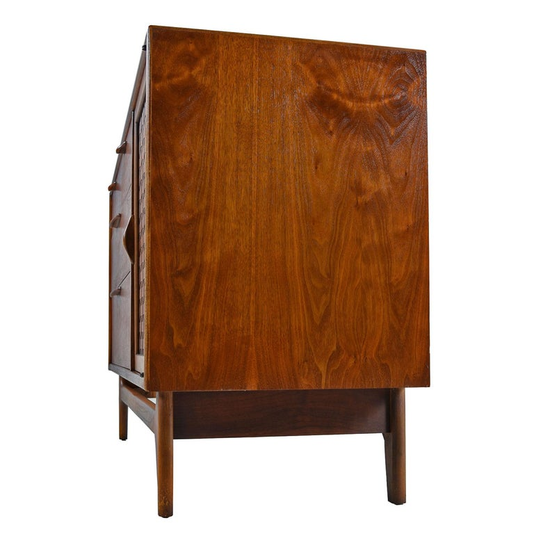 Oak Restored Mid-Century Modern Lane Perception Credenza Buffet For Sale
