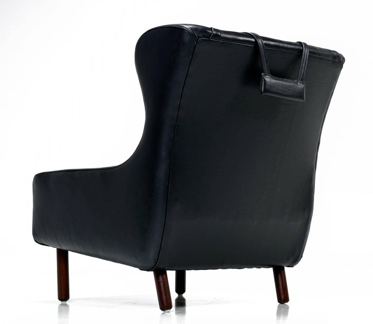 Restored Midcentury Svend Skipper Style Black Leather Wingback Lounge Chair In Excellent Condition For Sale In Saint Petersburg, FL