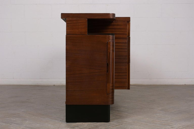 Italian Mid-Century Modern Lacquered Credenza For Sale 2