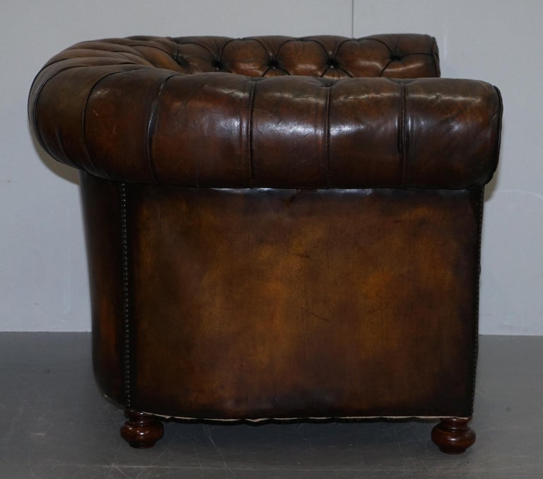 Restored Pair of circa 1900 Hand Dyed Cigar Brown Leather Chesterfield Armchairs For Sale 4