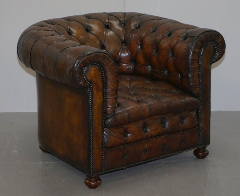 Restored Pair of circa 1900 Hand Dyed Cigar Brown Leather Chesterfield Armchairs For Sale 6