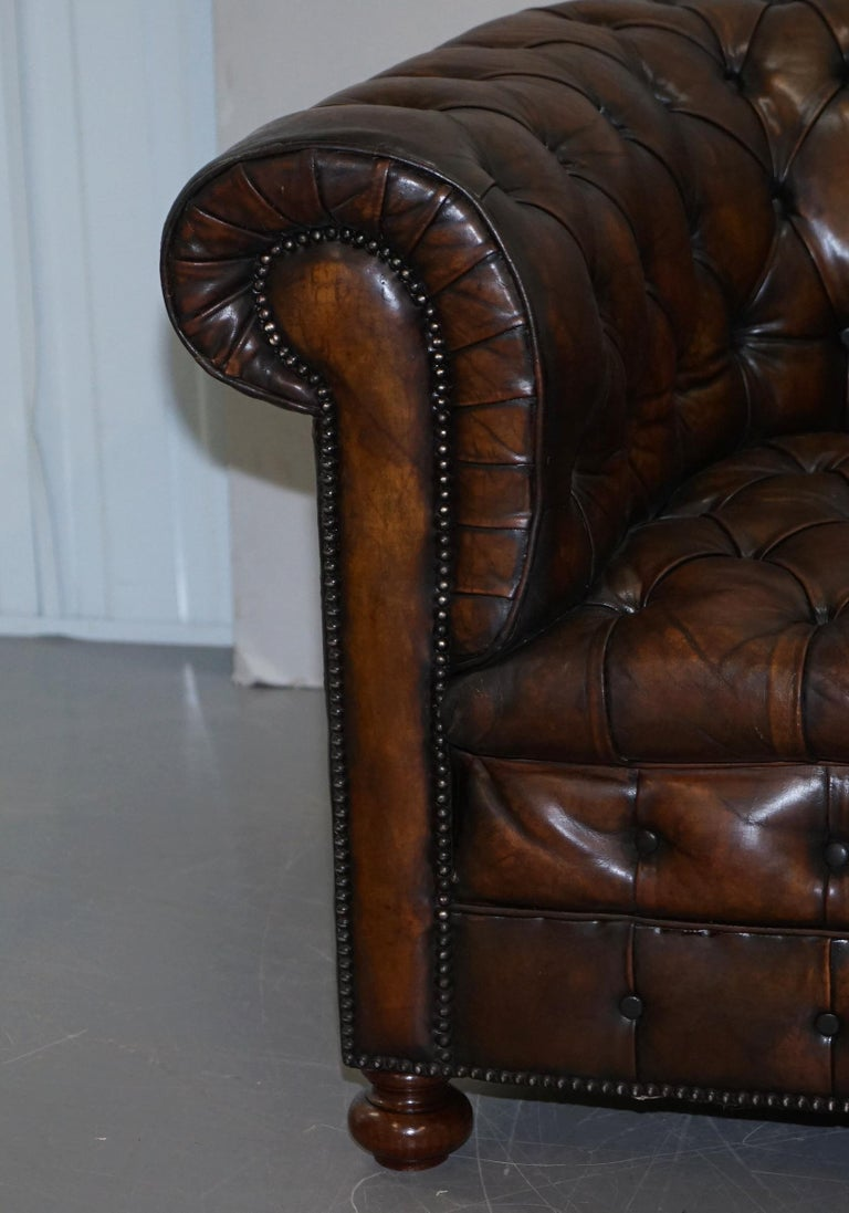 Restored Pair of circa 1900 Hand Dyed Cigar Brown Leather Chesterfield Armchairs For Sale 8