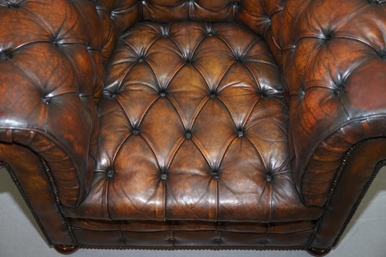 Restored Pair of circa 1900 Hand Dyed Cigar Brown Leather Chesterfield Armchairs For Sale 10