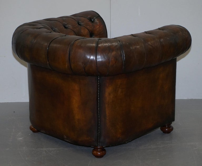 Restored Pair of circa 1900 Hand Dyed Cigar Brown Leather Chesterfield Armchairs For Sale 12