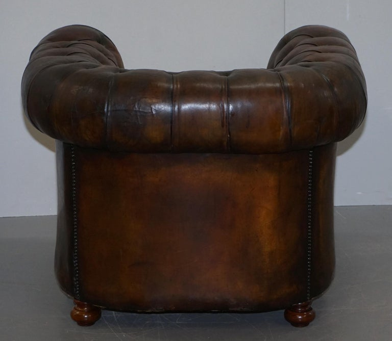 Restored Pair of circa 1900 Hand Dyed Cigar Brown Leather Chesterfield Armchairs For Sale 13