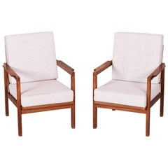 Restored Pair of Czechoslovakia Functionalist Oak Armchairs, 1930-1939