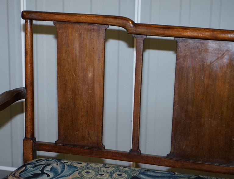 Restored Suite of William Morris Richard Norman Shaw Tabard Bench & Armchairs For Sale 9