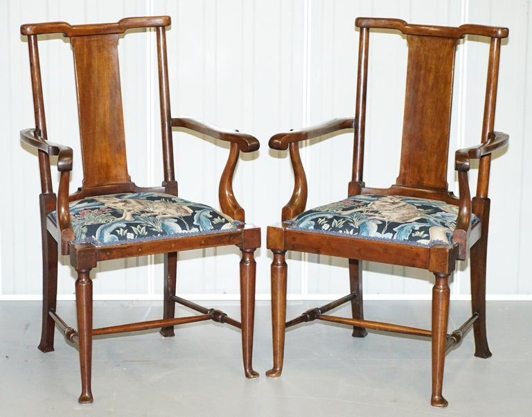 We are delighted to this very rare suite of original William Morris Richard Norman Shaw tabard seating with new Morris forest linen upholstery  A very good looking and well-made suite, as exhibited in the V&A (Victorian & Albert museum London) The