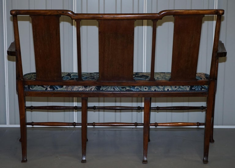 Restored Suite of William Morris Richard Norman Shaw Tabard Bench & Armchairs For Sale 12