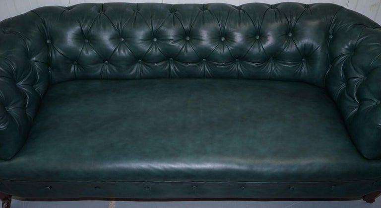 Restored Victorian 1890 Cornelius V Smith Chesterfield Leather Sofa Coil Sprung In Good Condition For Sale In London, GB
