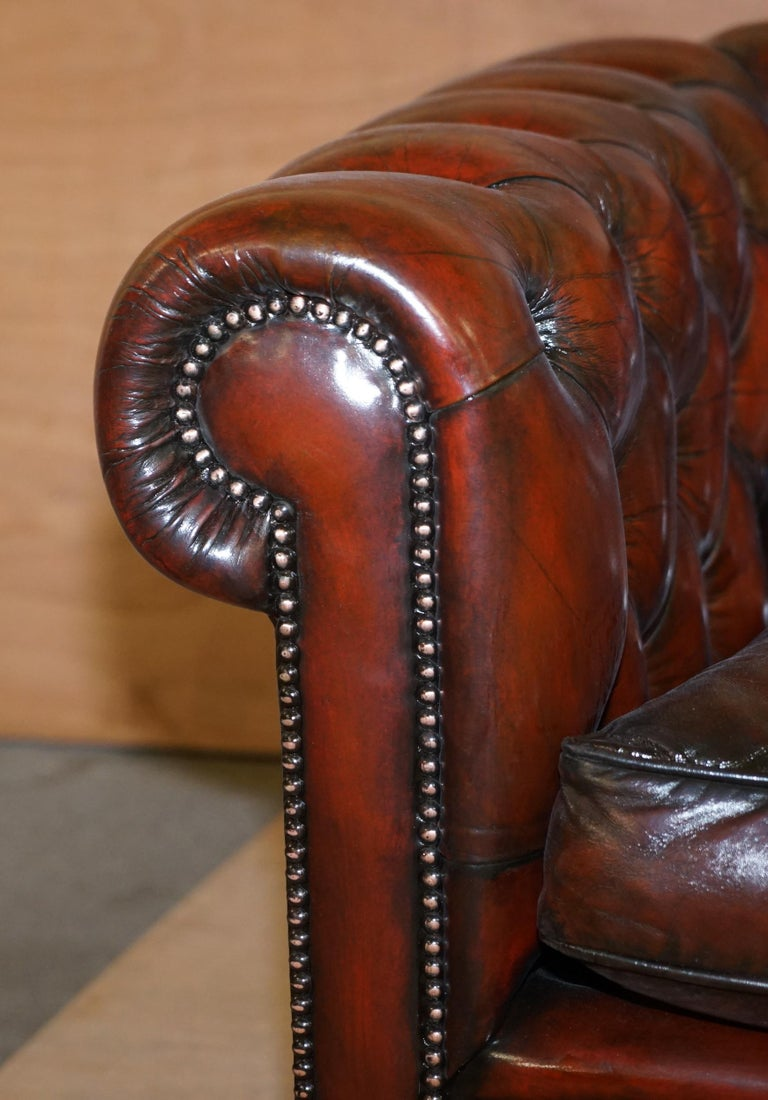 Restored Vintage Oxblood Bordeaux Leather Chesterfield Club Sofa on Turned Legs For Sale 4