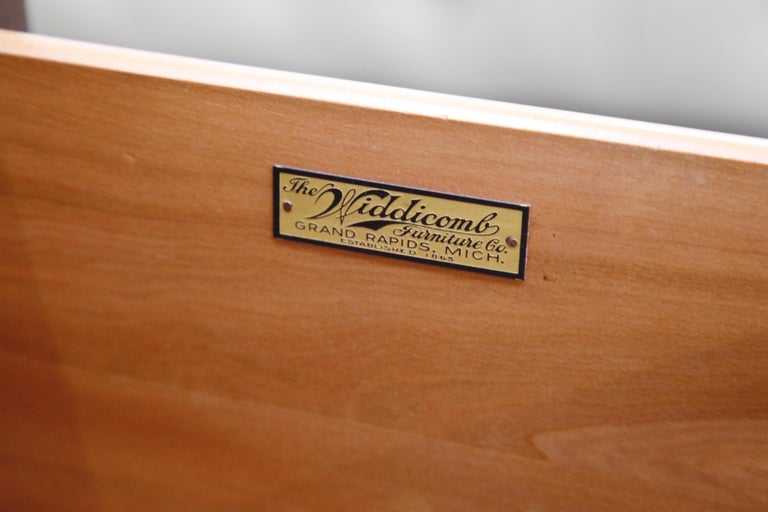 Restored Widdicomb Streamline Moderne Chest of Drawers, circa 1940s, Signed For Sale 4