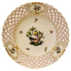 Reticulated Herend Rothschild Bird Plate with a Central Painting of Two Birds