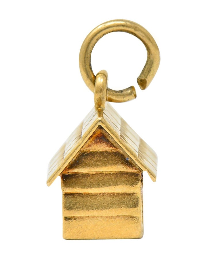 Retro 14 Karat Gold Doghouse Charm, circa 1950 In Excellent Condition For Sale In Philadelphia, PA