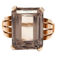 Retro 14 Karat Yellow Gold and Smokey Quartz Cocktail Ring