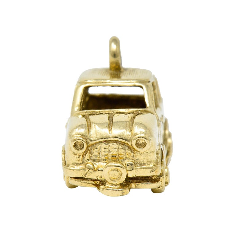 Women's or Men's Retro 14 Karat Yellow Gold Articulated Car Charm, circa 1940 For Sale