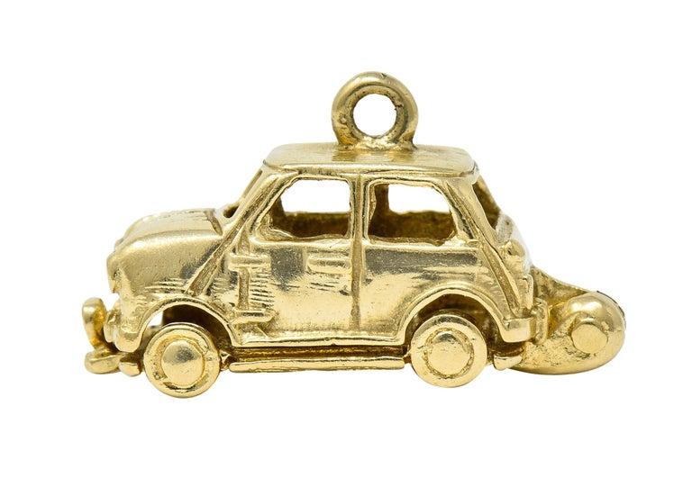 Retro 14 Karat Yellow Gold Articulated Car Charm, circa 1940 For Sale 2