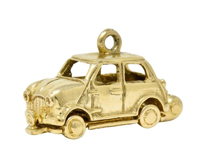 Retro 14 Karat Yellow Gold Articulated Car Charm, circa 1940 For Sale 3
