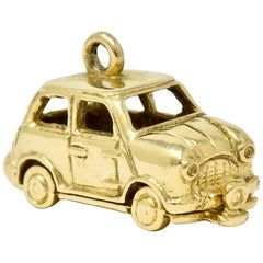 Retro 14 Karat Yellow Gold Articulated Car Charm, circa 1940