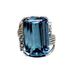 Retro 15.20 Carat Aquamarine Diamond Platinum Ring