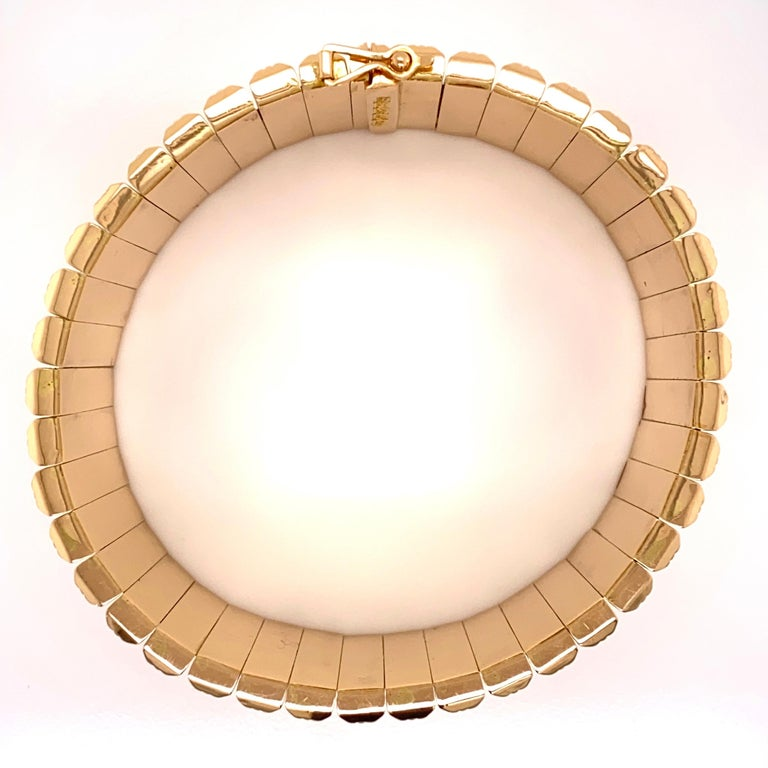 Women's Retro 1950s Wide Link Yellow Gold Bracelet Fine Estate Jewelry For Sale