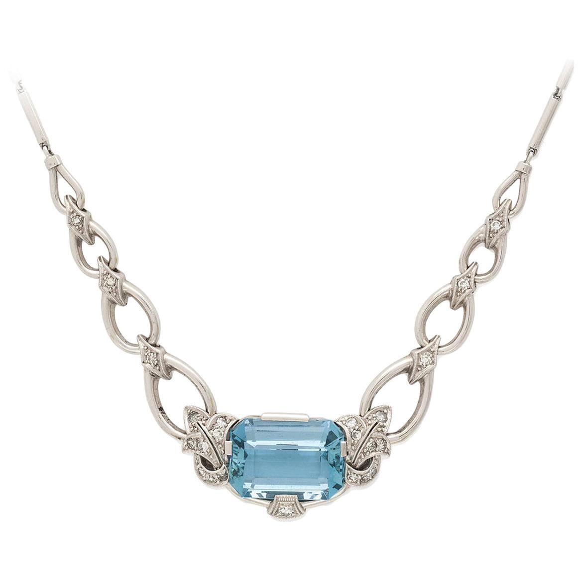 Retro 1960s Aquamarine Diamond 18 Karat Gold Necklace