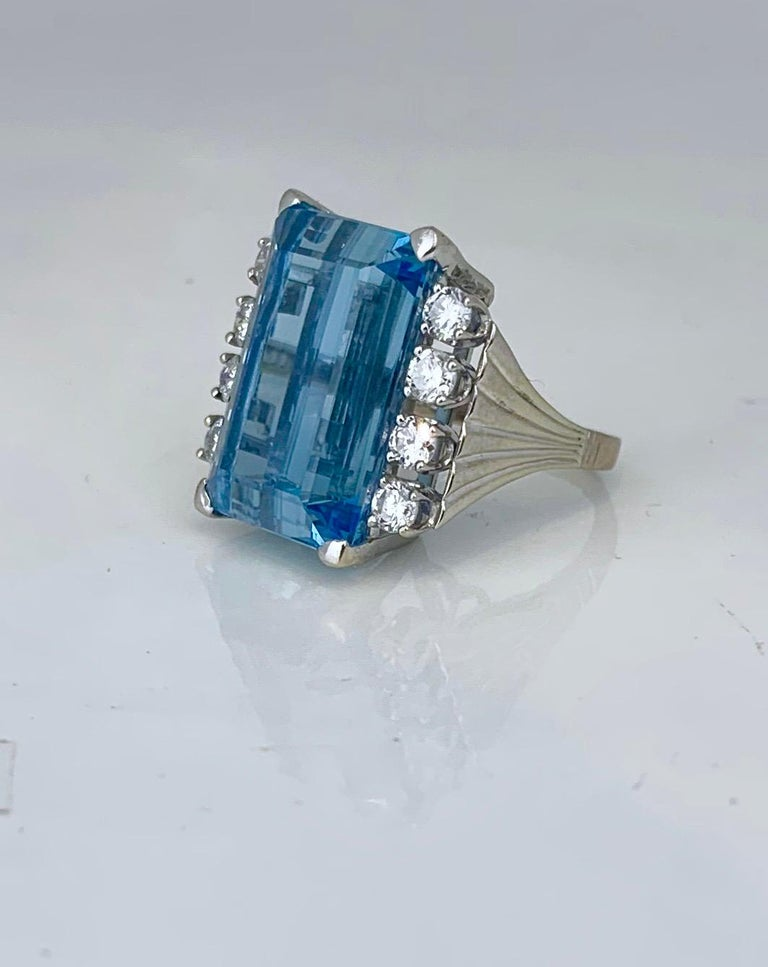 Retro 20 Carat Aquamarine and Diamond Ring In Good Condition For Sale In Aliso Viejo, CA