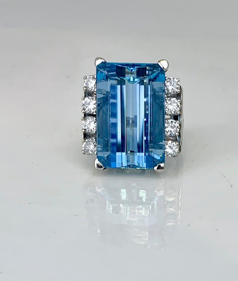 Women's or Men's Retro 20 Carat Aquamarine and Diamond Ring For Sale