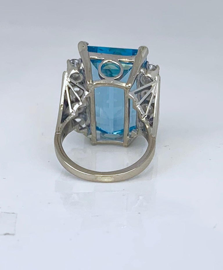 Retro 20 Carat Aquamarine and Diamond Ring For Sale 1