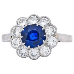 Retro 2.09 Carat No Heat Sapphire Diamond 14 Karat White Gold Cluster Ring GIA