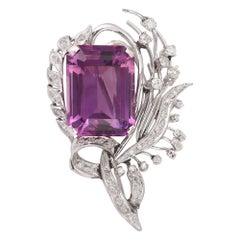 Retro 25 Carats Rectangular Amethyst Diamonds 18 Carat White Gold Brooch Pin