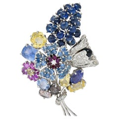 Retro 25.90 Carat Sapphire Diamond 14 Karat White Gold Bouquet Brooch