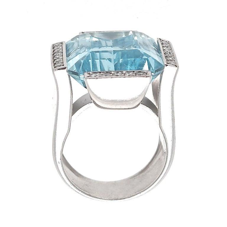 Women's Retro Aquamarine Diamond Gold Cocktail Ring For Sale
