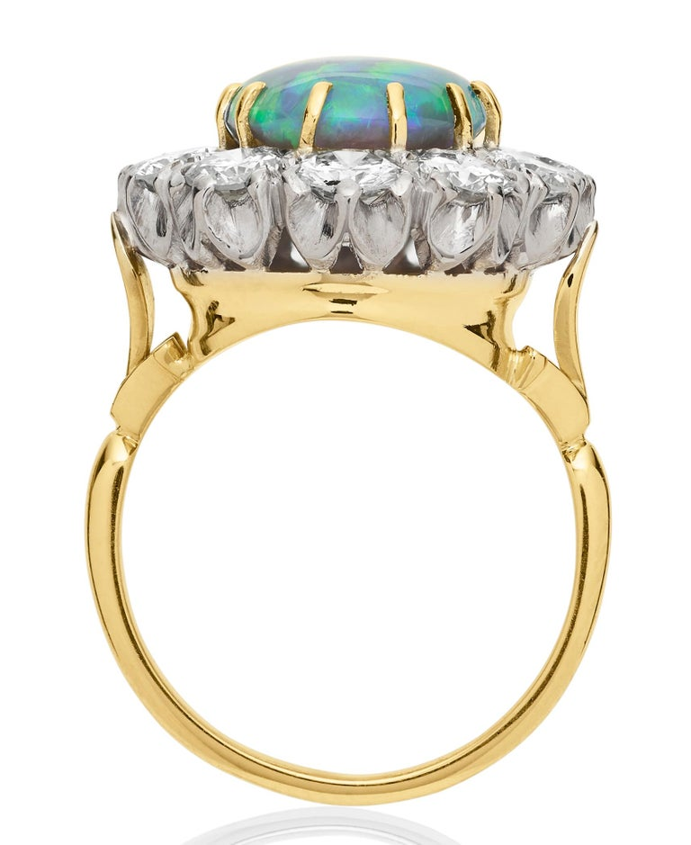 Retro Australian Black Opal and Diamond Cluster Ring in 18 Karat Gold In Good Condition For Sale In London, GB