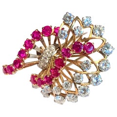Retro Boucheron Paris 1.90 Carat Diamonds Rubies 18 Carat Yellow Gold Brooch