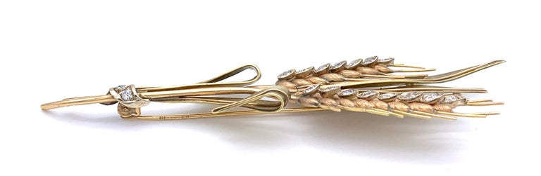 Round Cut Retro Diamond 1.6 Carat Two Color 14 Karat Gold Grain Wheat Ears Brooch For Sale