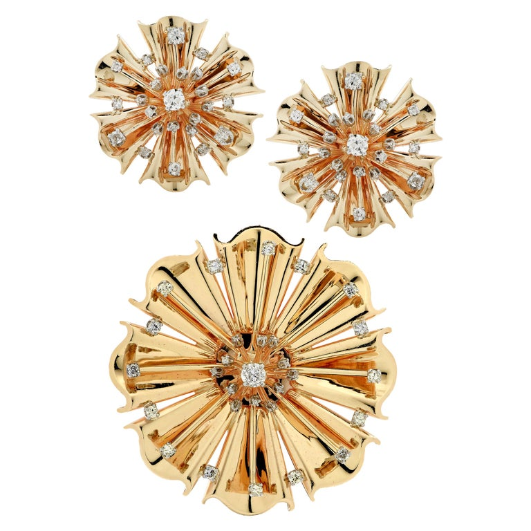 Retro Diamond and Gold Flower Brooch Pendant and Earring Set For Sale