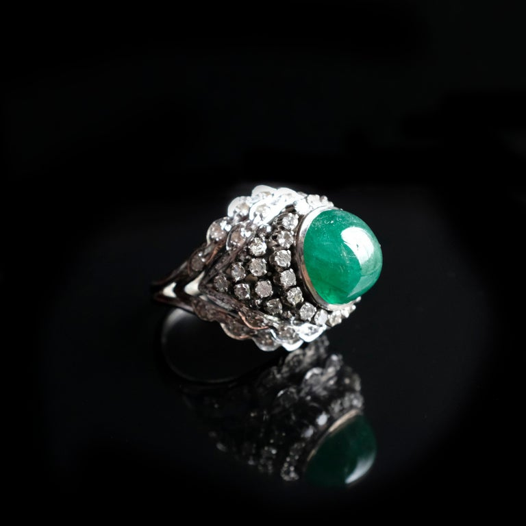 Retro Emerald Bombe Ring with Diamonds In Good Condition For Sale In Southbury, CT