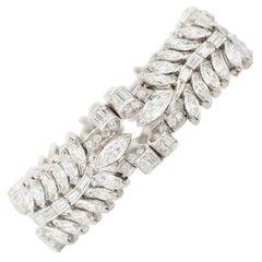 Retro French Platinum and 32.0 Carat Mixed Cut Diamond Bracelet, circa 1940s